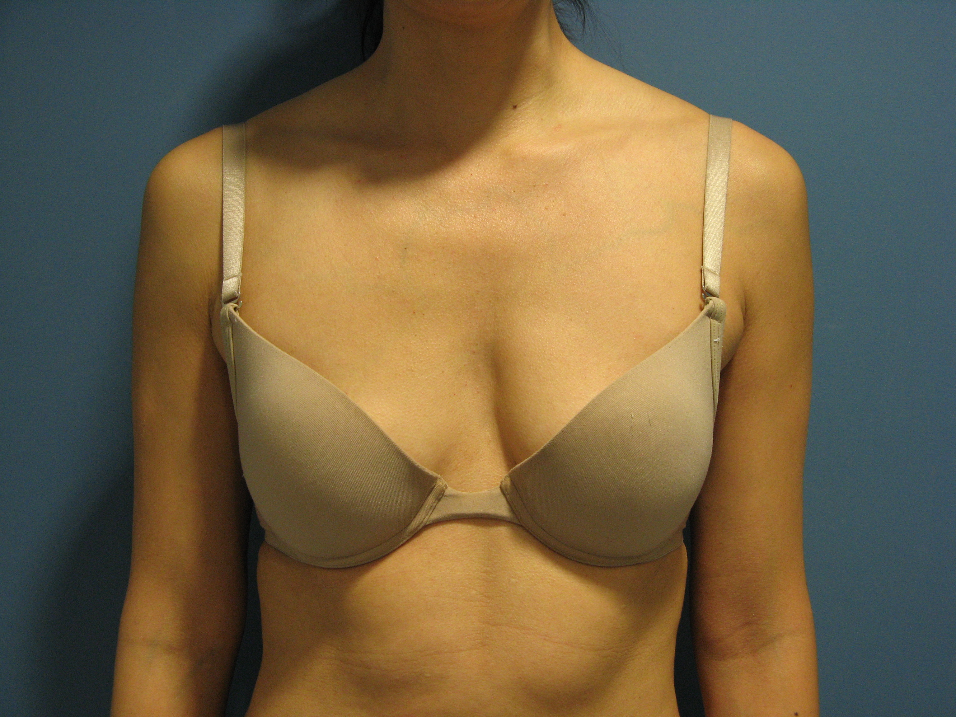 Women with natural d cup breasts-2948